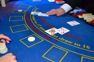 Croupier - Der Dealer beim Blackjack